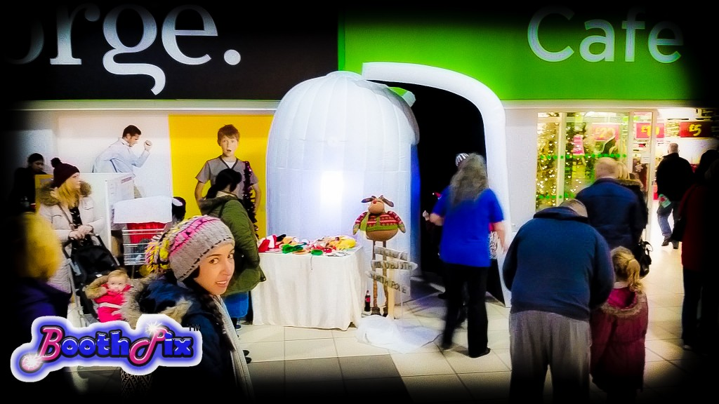 igloo photo booth at shopping centre.